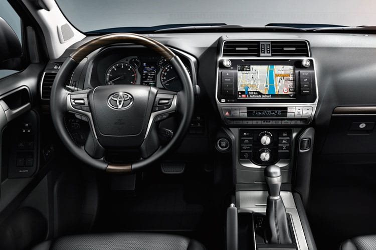 Toyota LandCruiser SUV 4wd 2.8 D 204PS Invincible 5Dr Auto [Start Stop] [7Seat Sunroof] inside view