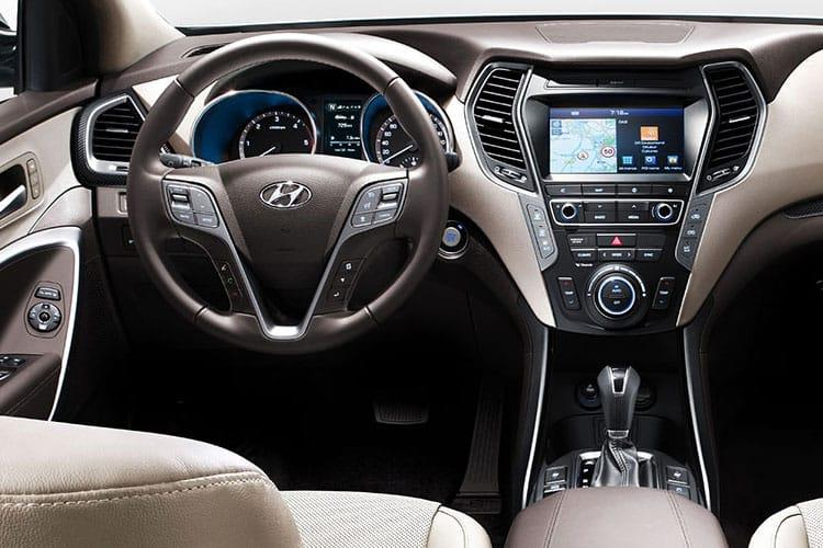 Hyundai Santa Fe SUV 4WD 1.6 T-GDi PiH 13.8kWh 265PS Premium 5Dr Auto [Start Stop] [7Seat] inside view